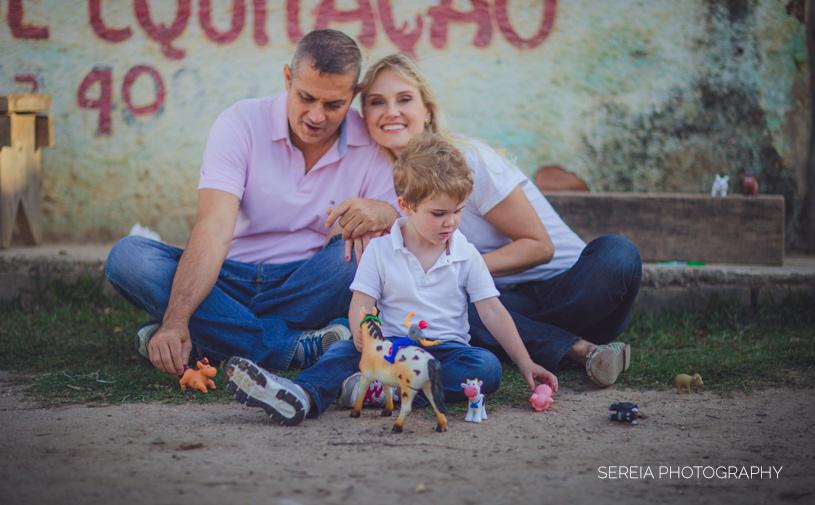 Family Photo Shoot at a farm